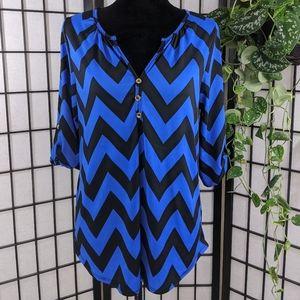 💙Espresso Blue & Black Chevron Print Top. Size M
